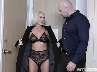 Naughty wife Mysha Mynx blindfolded, compelled in and fucked good