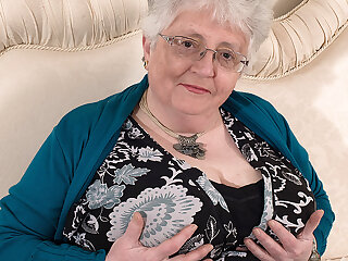 Big Breasted British Granny Playing In all directions Herself - MatureNL