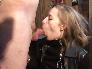 Papy & New Zealand Anal Cabane